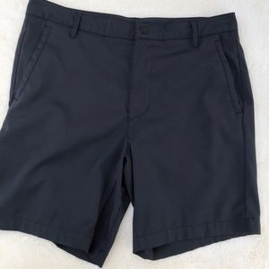 All in Motion Mens Black Shorts sz 34